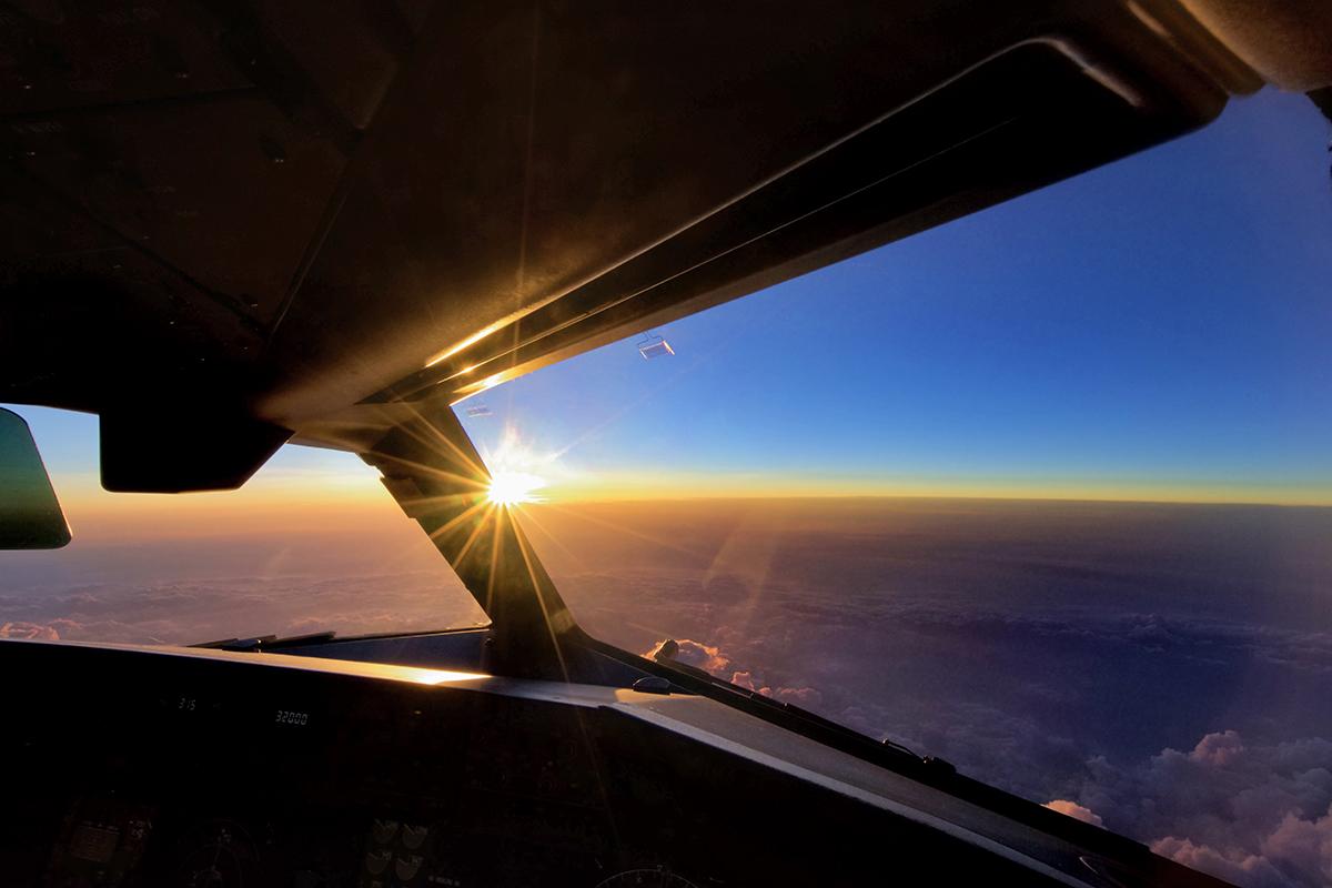 aereo tramonto professional aviation