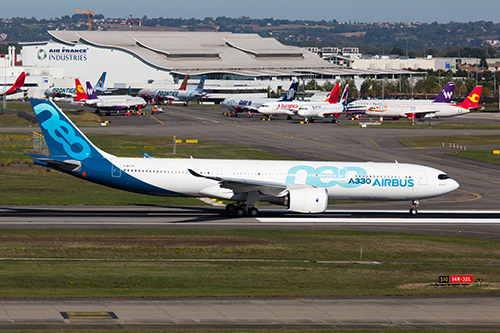 Professional Aviation - aereo Airbus A330neo