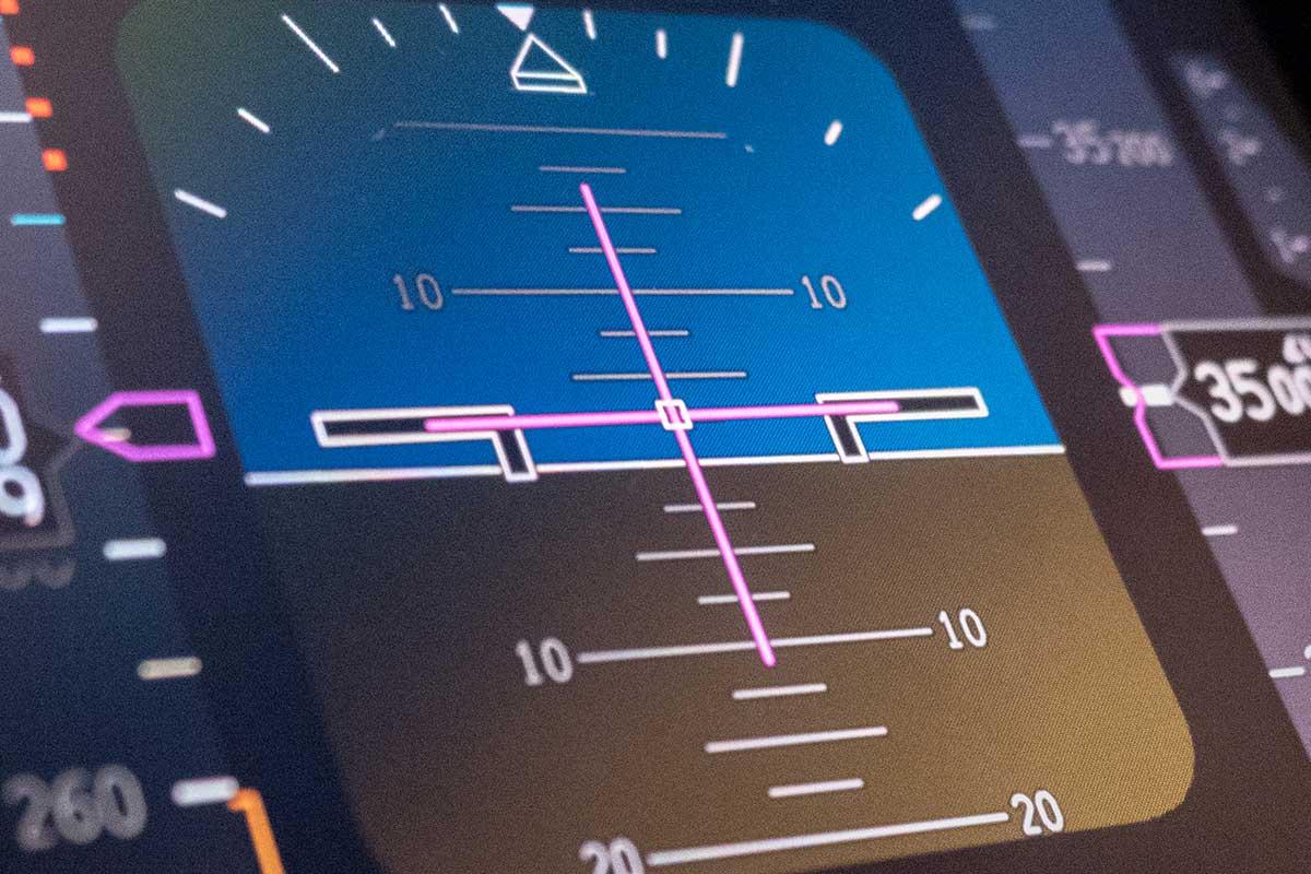 Il-sistema-anticollisione-dellaereo-come-funziona-il-GPWS-Professional-Aviation-1